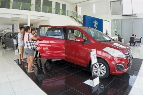 Malaysians Are Rushing To Buy Cars This Month