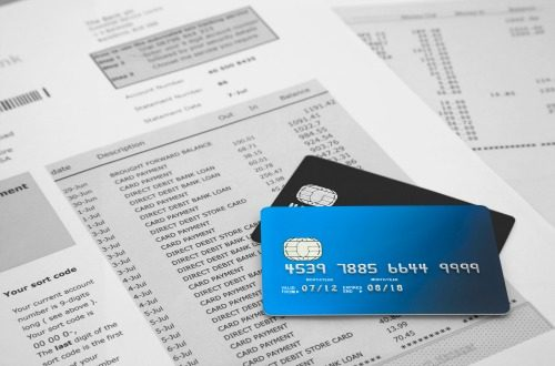 4 Credit Card Habits of People With Excellent Credit