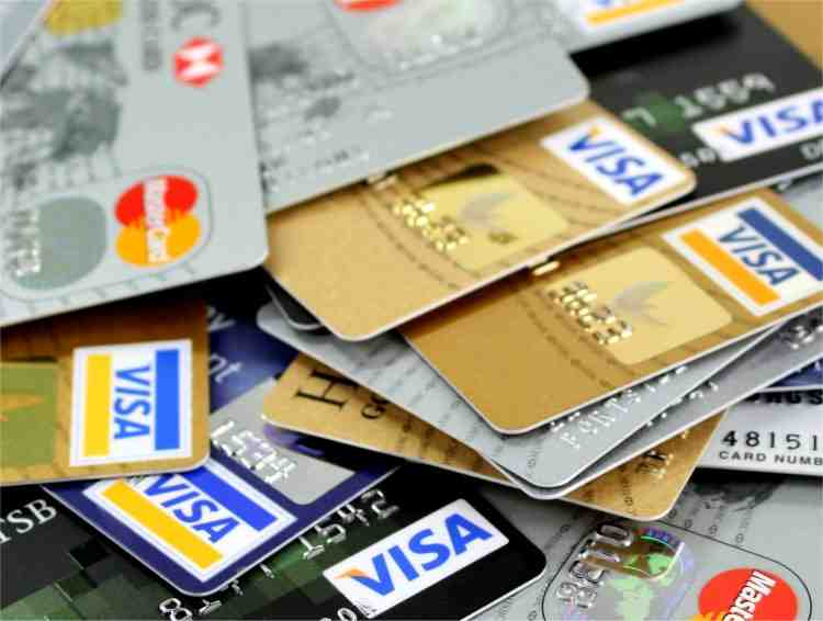 3 Reasons to Have More Credit Cards!