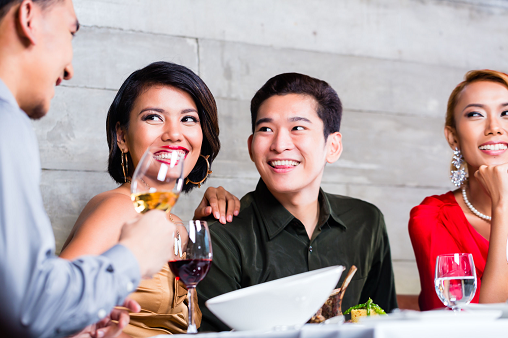 How to Get More on Your Dinner Dates Just By Using Your Credit Card