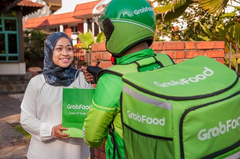 Grab Removes RM5 Flat Delivery Rate For GrabFood, Suspends Subsciption Plans